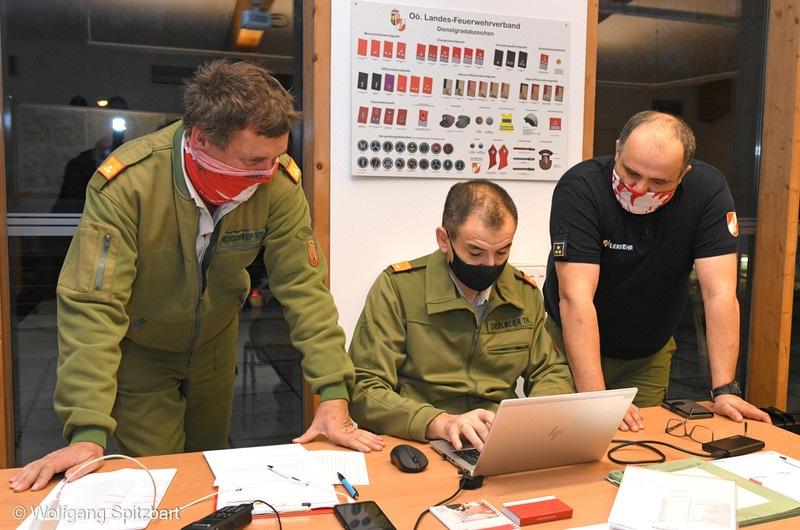 Corona-Massentest im Bezirk Gmunden - Einsatzleitstelle des Bezirksfeuerwehrkommandos im Sicherheitszentrum Altmünster